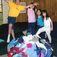 Kids_&_laundry,_scan
