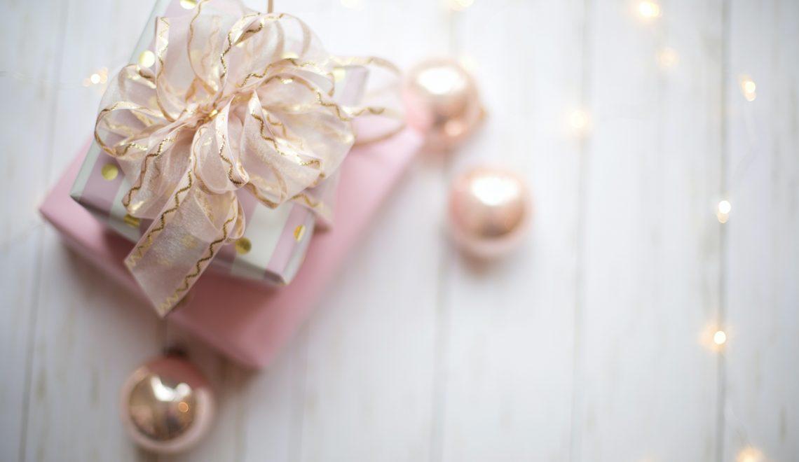 Using Pinterest for Romantic Gift Ideas